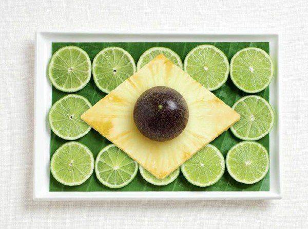 Bandera de Brasil hecha de hoja de plátano, limón, piña y fruta de la pasión.