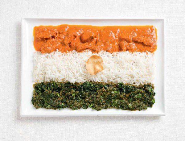 Bandera de la India a partir de curry, arroz basmati y la oblea pappadum.